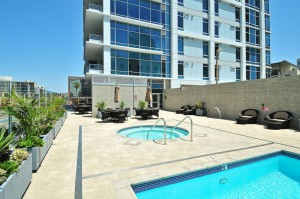 Sapphire-Tower-Pool_Columbia_San-Diego-Downtown